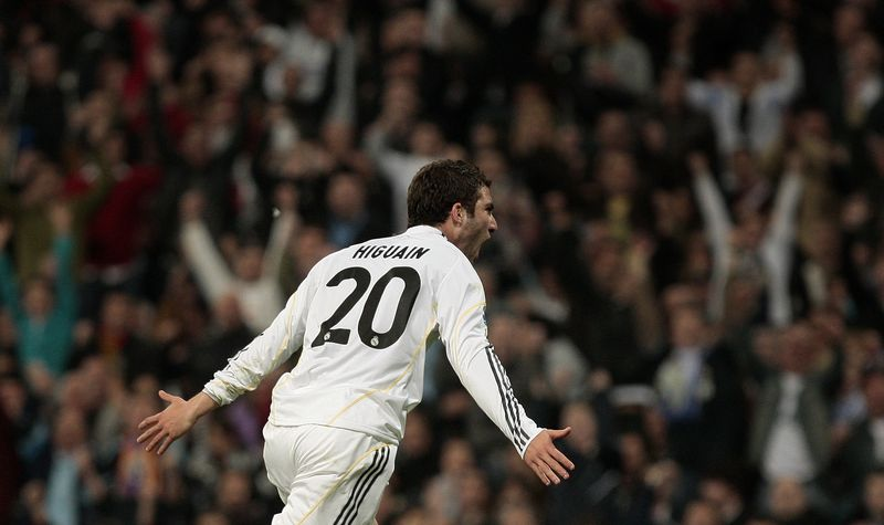 Higuain celebration
