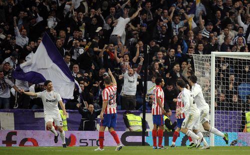 AY40298705Real Madrids midf