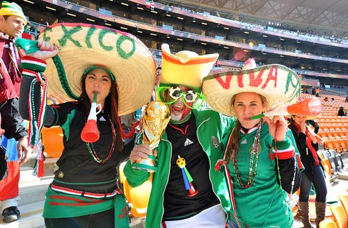 AY44799755Mexico fans durin