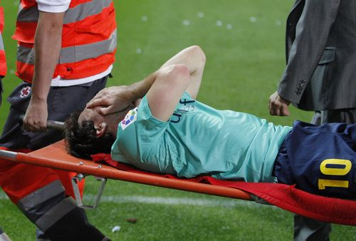 Messi stretcher