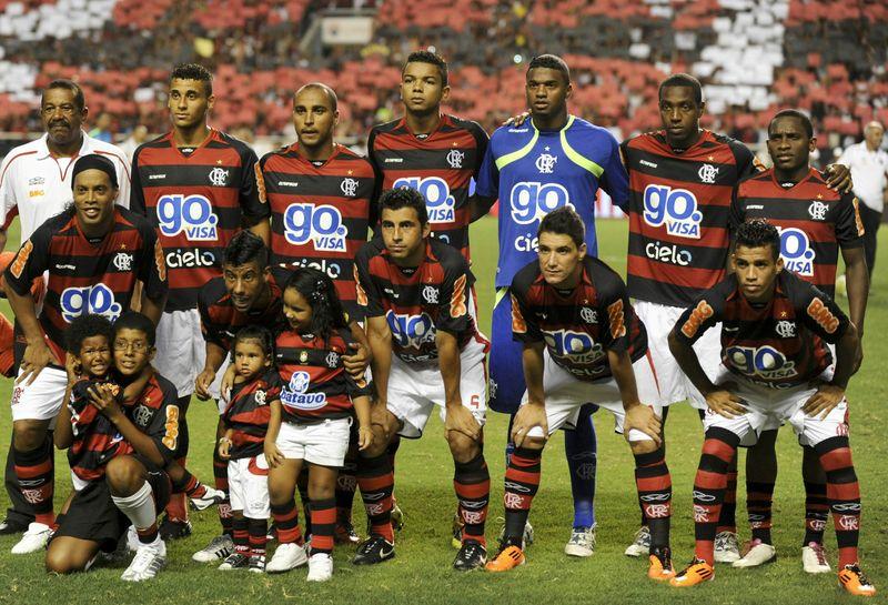 Ronaldinho line-up