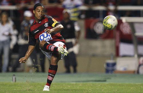 Ronaldinho freekick