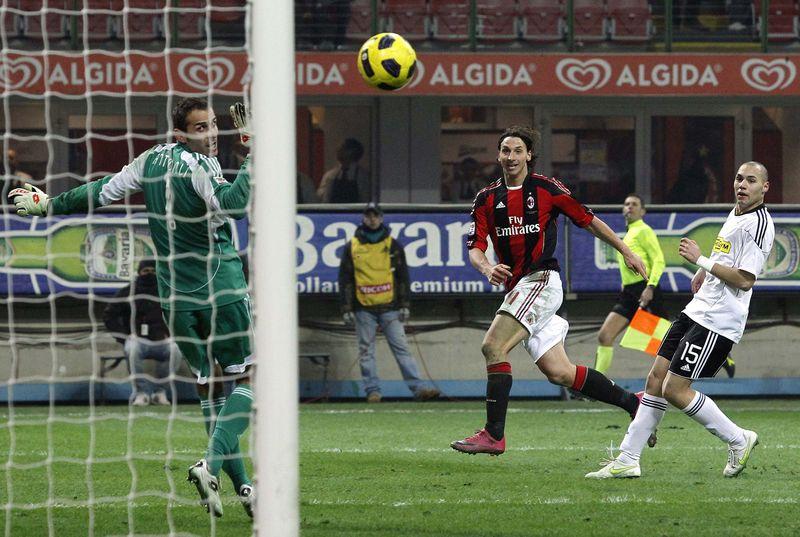 AY56963655AC Milans Zlatan