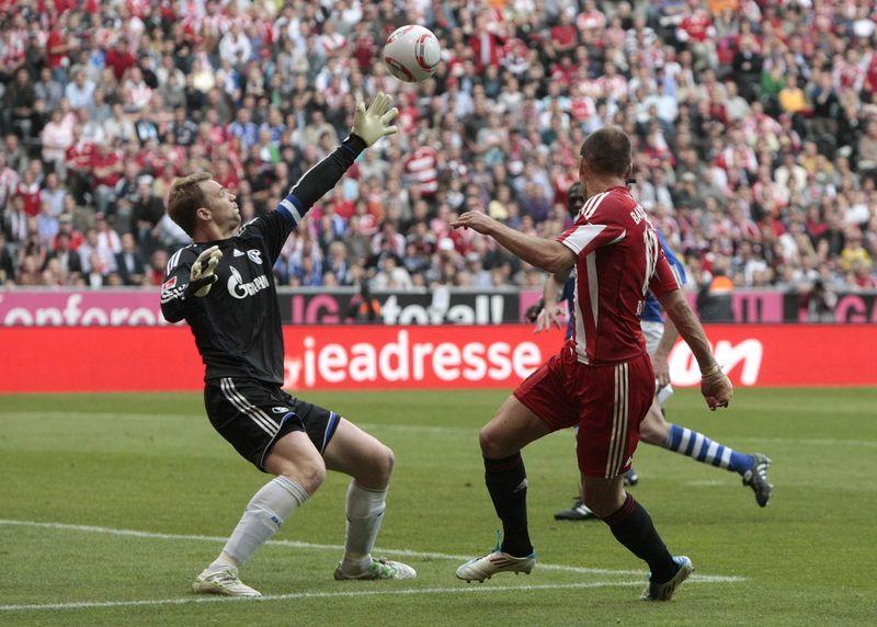 Neuer beaten again