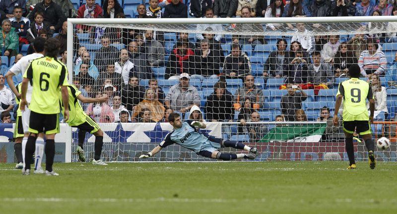 Real Zaragoza's Gabi scores a penalty