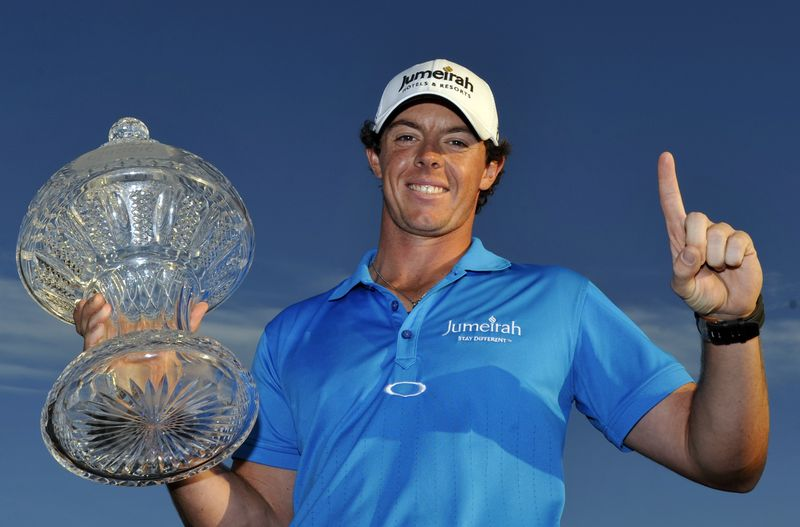 AY81025477Rory McIlroy hold
