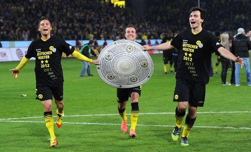AY83867087LtoR Dortmunds mi