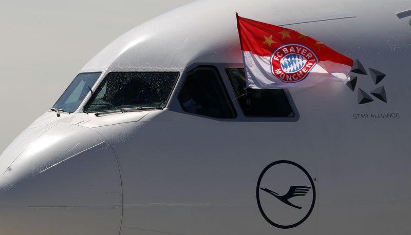 AY84185883An FC Bayern Muni