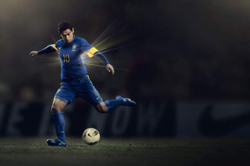 Brasil_2012_Away_Team_Kit_2_7081