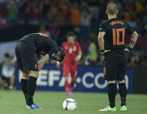 AY87906349Dutch midfielder