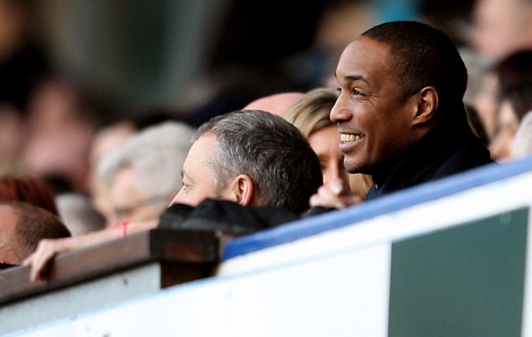 AY103942626Paul Ince right