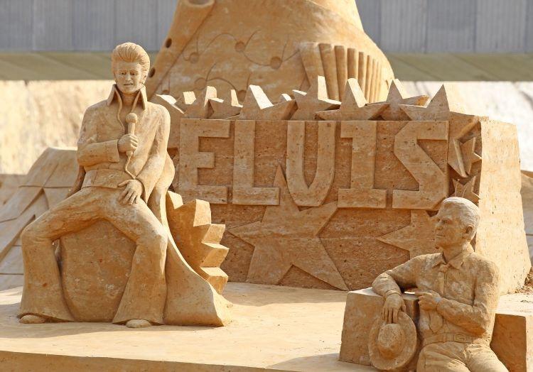foto patung pasir para artis dunia