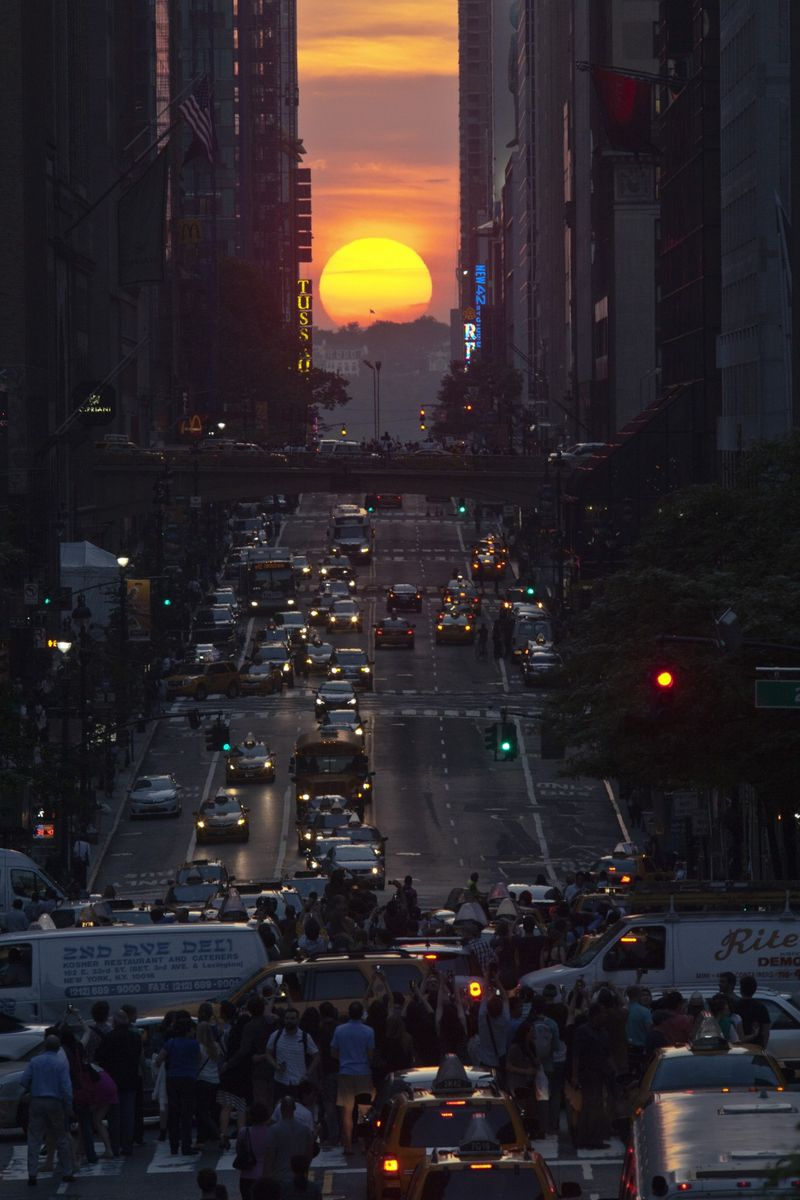 Manhattanhenge1CORBIS