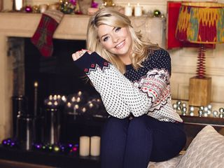 Holly Willoughby for Oral-B 3D White Luxe RRP £3.99 1