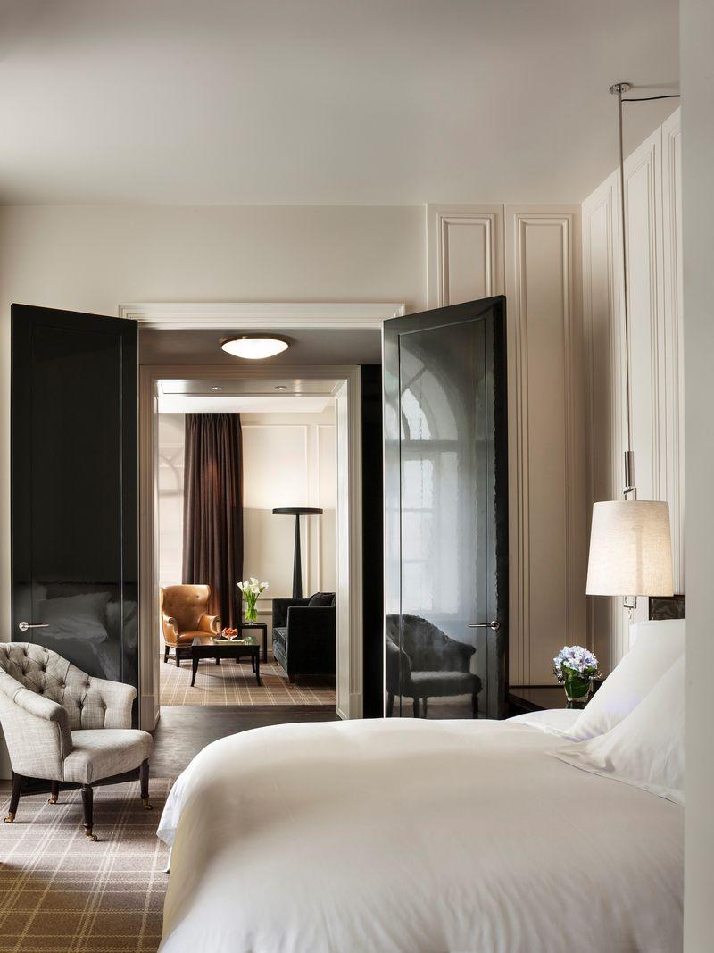 Rosewood London - Grand Premier Suite - Bedroom