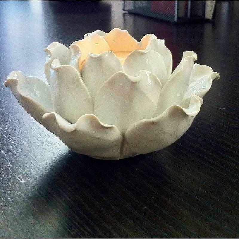 Original_white-lotus-flower-t-light-holder