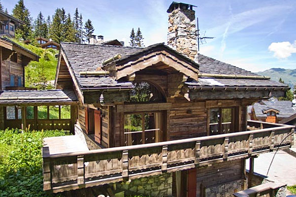 Chamonix Small Ski Chalet Mazot Les Tines in Winter, Self Catered