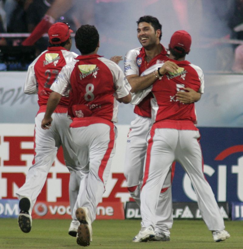 AY22597111Kings XI Punjabs