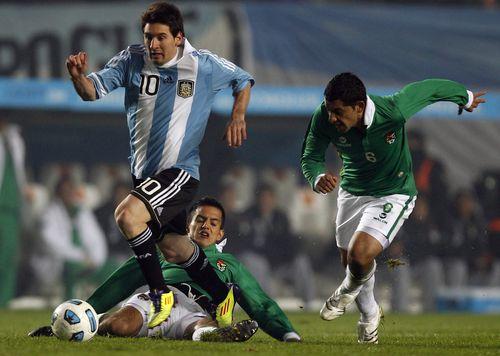 Messi running