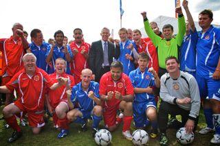 Gary-Lineker-Special-Olympics-East-Midlands-team
