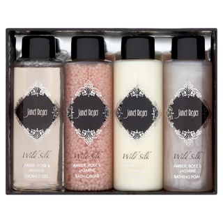 Janet reger travel collection_t1