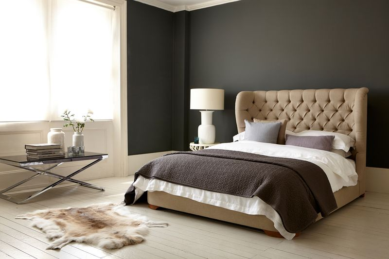 Sofas and Stuff - Rouen double bed in Antwerp Linen - lifestyle - Portrait