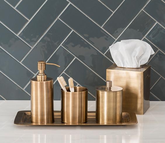 Balineum_edison_brass_bathroom_accessories_01
