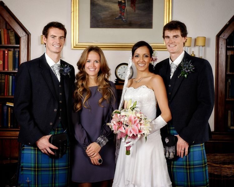 AY104648341Andy Murray left