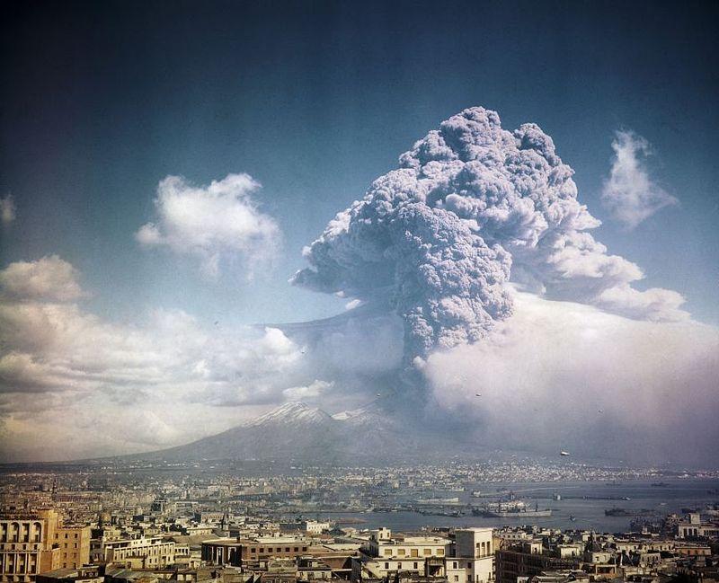 Vesuvius1944CORBIS