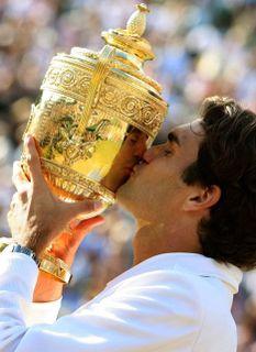 FedererKiss_468x642