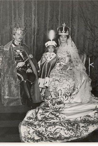 Coron of K Charles IVand Q Zita w crown prince Otto 1916 budapest