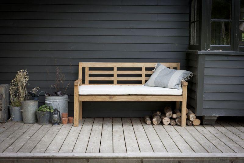 Garden Trading Chastleton Bench in reclaimed teak £525 mailable