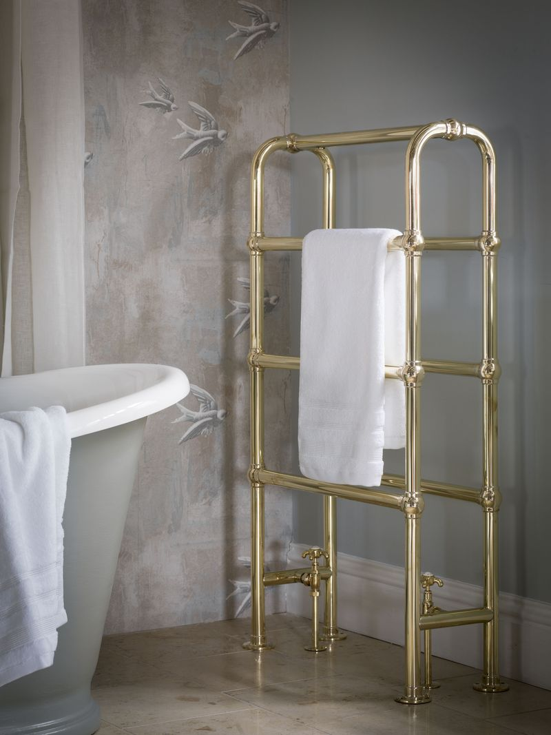 Arched heated towel rail