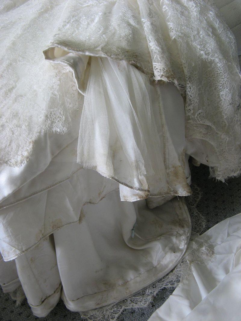 Serena's dirty dress