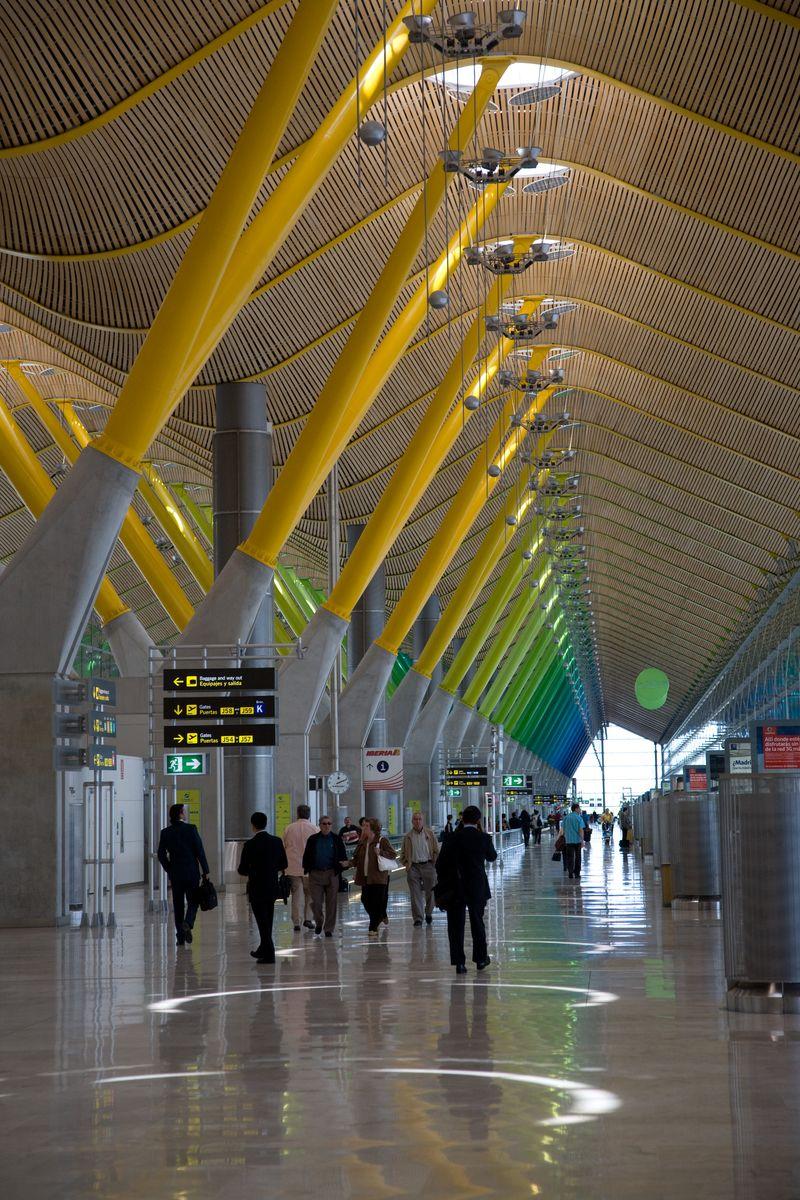 MadridbarajasairportCORBIS