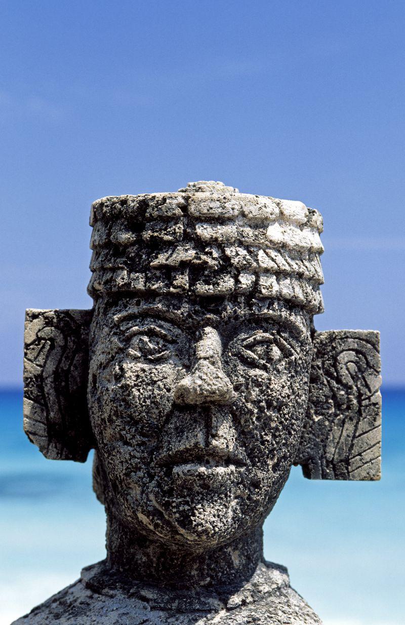 CancunmayastatueCORBIS