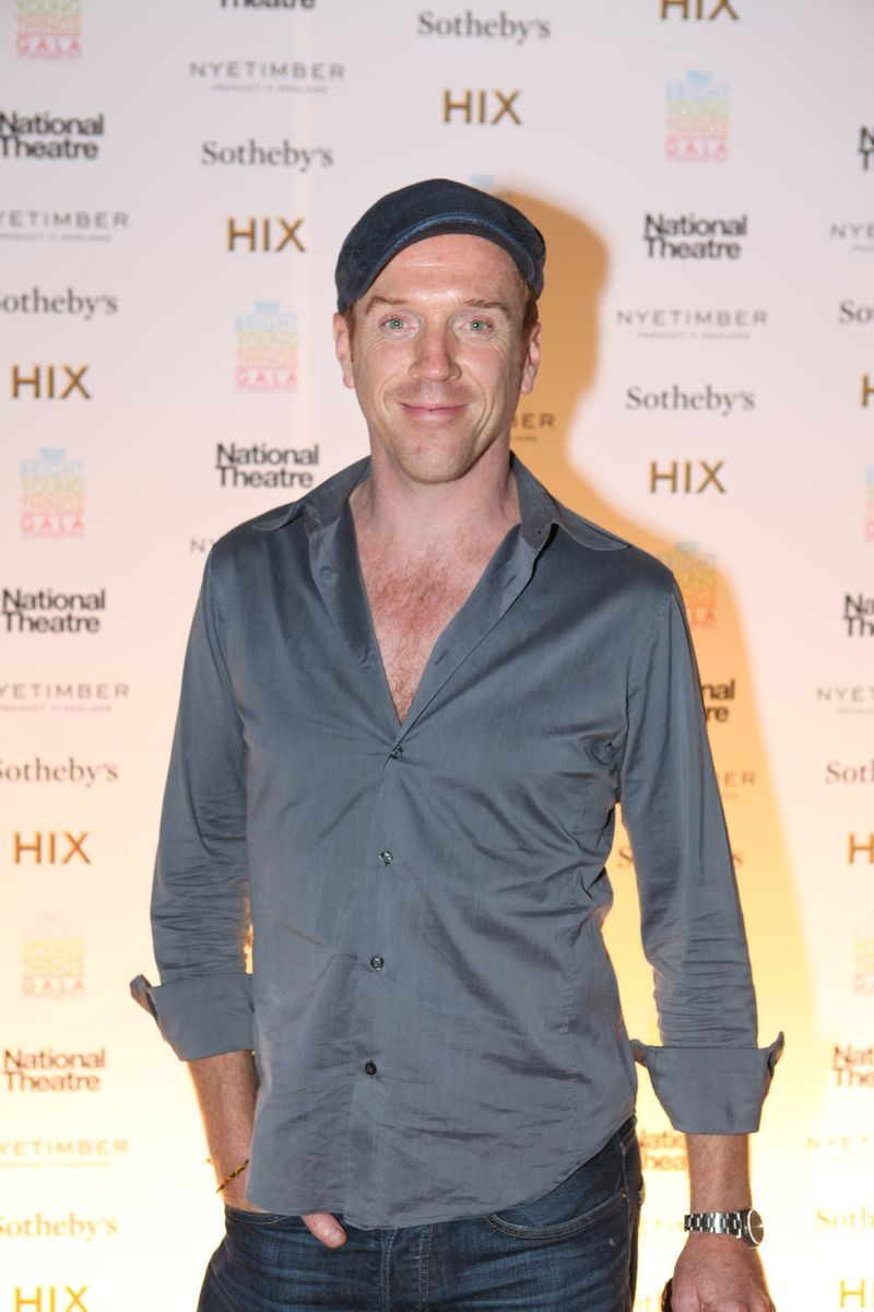 Damian_Lewis_at_the_National_Theatre's_'Bright_Young_Things_Gala'_-_photo_credit_Alex_Simms[1]