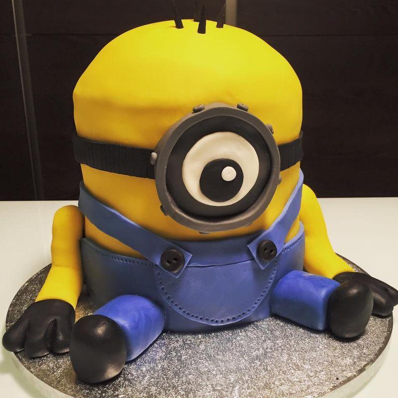 Minnies Baby Birthday Cake