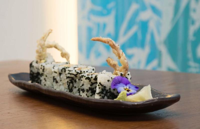 Kiru-sushi-roll